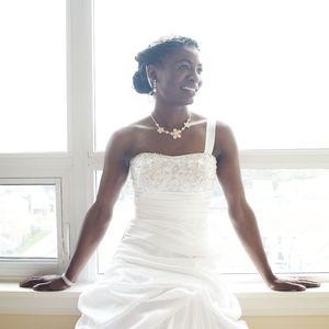 Stunning Princess Wedding Dress w/unique 1 Strap